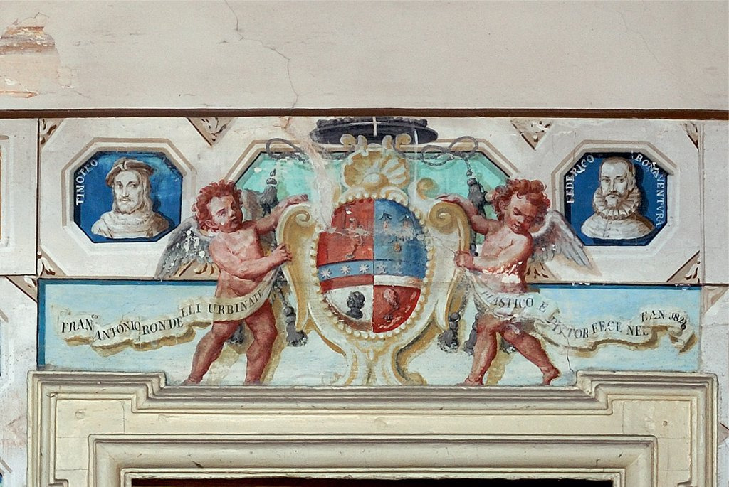 Palazzo Mauruzi della Stacciola, by Unknown artist, 16th Century, . Italy: Marche: Pesaro Urbino: Urbino: Palazzo Mauruzi della Stacciola. Detail. Fresco portraits illustrious/renowned men from Urbino small studio main floor fake stuccos Francesco Antonio Rondelli angels putti decoration coat-of-arms inscription : Stock Photo