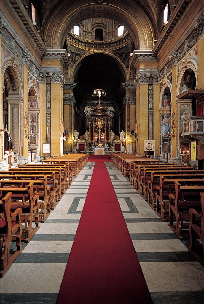 Stock Photo: 1899-47558 Church of Santa Maria in Traspontina, by Peruzzi Giovanni Sallustio, 1566, 16th Century, Unknow. Italy, Lazio, Rome, Santa Maria in Traspontina Church. View of interior nave side-chapels separated by arches and marked by Corinthian pilaster strips entablature: trabeation high notched cornice: frame barrel-vaulting presbytery separate from nave dome Baroque altar with.