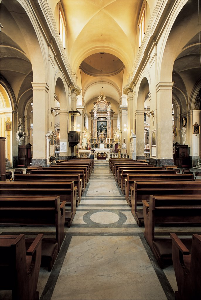 Stock Photo: 1899-47565 Church of San Francesco a Ripa, by Longhi Onorio, sketch De Rossi Mattia, 17th Century, Unknow. Italy, Lazio, Rome, San Francesco a Ripa Church. View of interior nave side-aisles pillars arches cross-vaulting dome above presbytery altar.