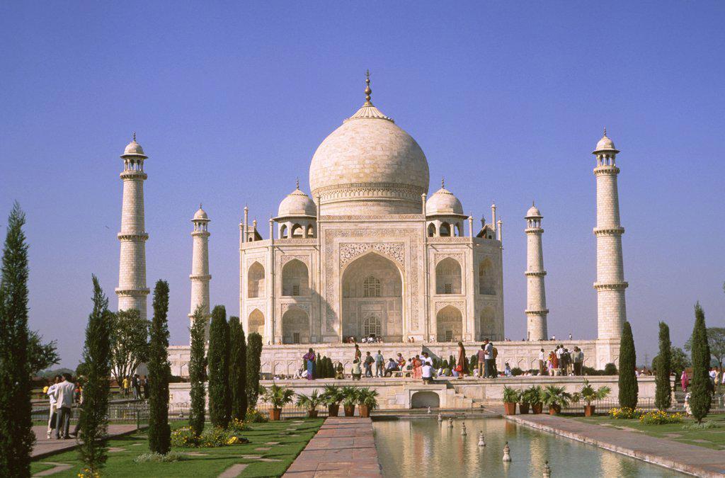 Stock Photo: 1899-55626 India, Uttar Pradesh, Agra. Taj Mahal
