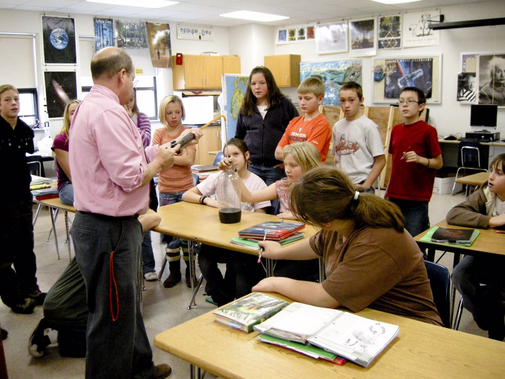 6Th Grade Science Class, Wellsville, New York. Air Pressure Experiment. Middle School : Stock Photo