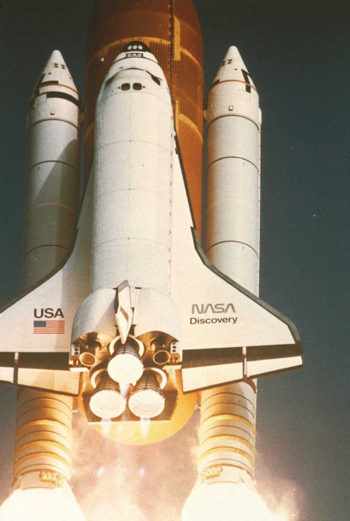 Space Shuttle Discovery, With External Tank And 2 Solid Rocket Boosters, 6/17/85 : Stock Photo