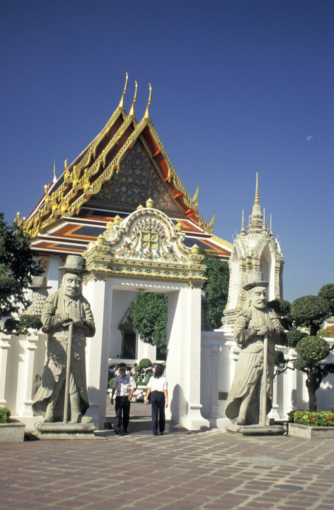 Stock Photo: 1899-63828 Thailand, Bangkok, Wat Po, Guarding The Entrance To The Ubosot.