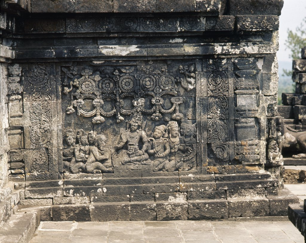 The reliefs on the terraces of Borobudur depict scenes from the life of the Buddha, Indonesia. Buddhist. 8thC. Central Java. : Stock Photo