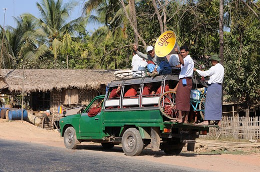Fully loaded pick up truck at the golden rock Kytiku Myanmar Asia : Stock Photo