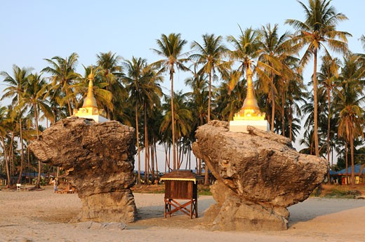 Pagoda on the beautiful deserted beach of Ngwe Saung Myanmar : Stock Photo