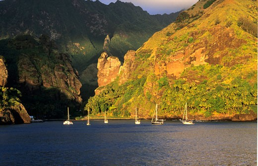 In the Hanavave bay sightseeing on the mountains Fatu Hiva Marquises islands : Stock Photo