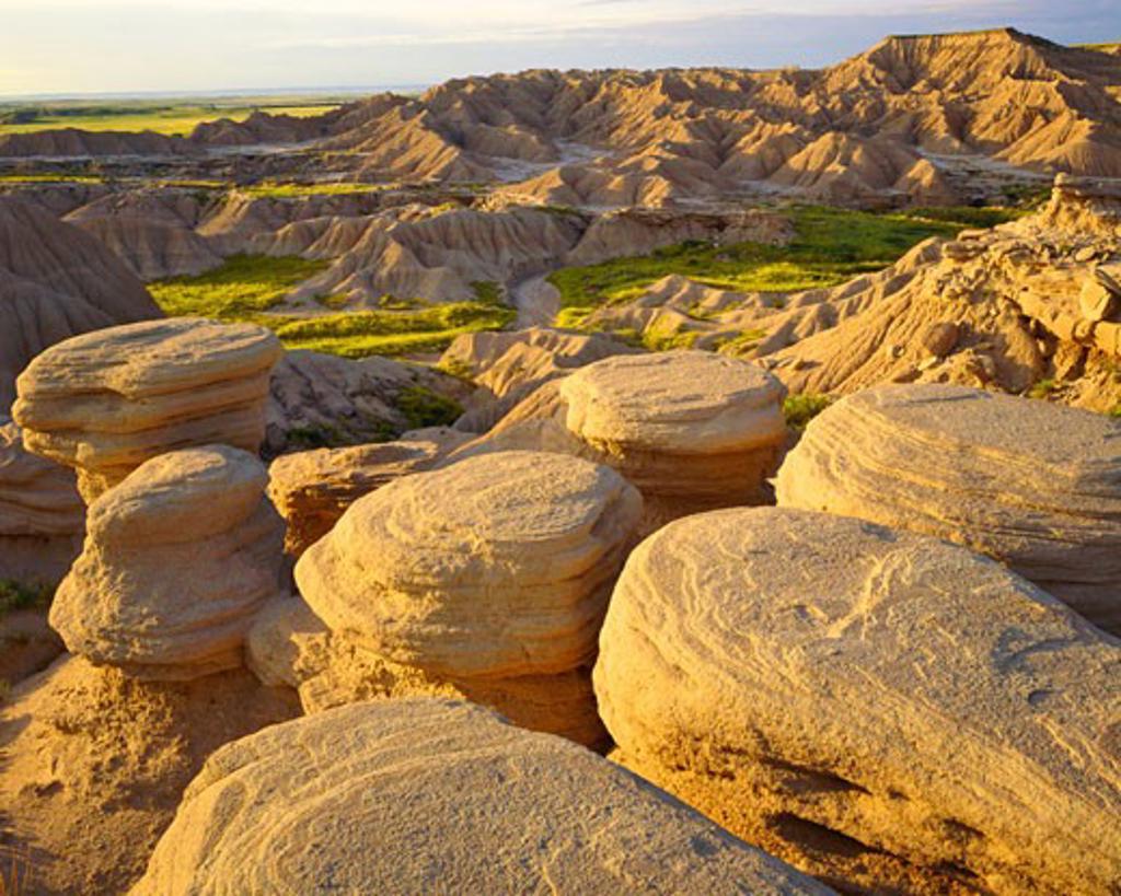 Toadstool Forms in Nebraska Badlands  Toadstool Park  Oglala National Grasslands  Nebraska : Stock Photo