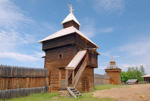 Stock Photo: 1916-6811 Russia, Siberia, Baikal, Irkutsk architectural and ethnographic museum, Spassky passable tower of the Ylym jail, 1667, Talzy