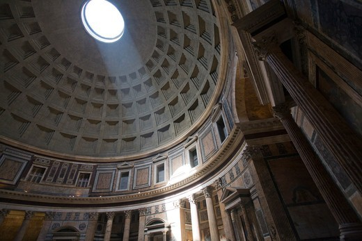 Stock Photo: 1916-7582 Italy, Rome, Pantheon dome with its oculus