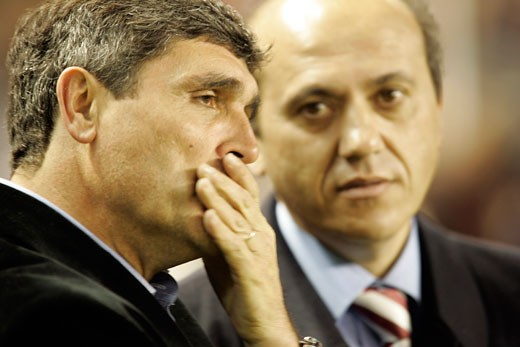 Juande Ramos left  coach  and Del Nido right  chairman of Sevilla FC Taken at Sanchez Pizjuan stadium Seville  Spain  on 1 February 2007  during the local derby between Sevilla FC and Real Betis : Stock Photo