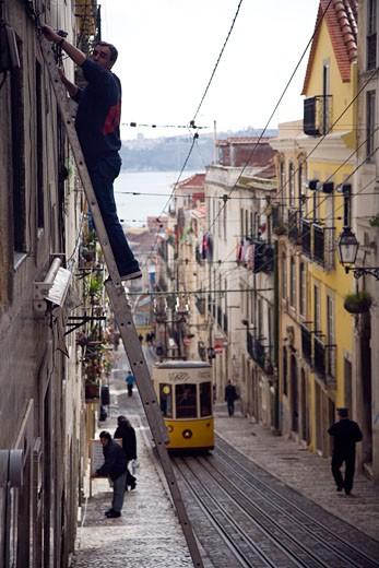 Elevador da bica  a funicular railway connecting the docks and the Bairro Alto  Lisbon : Stock Photo