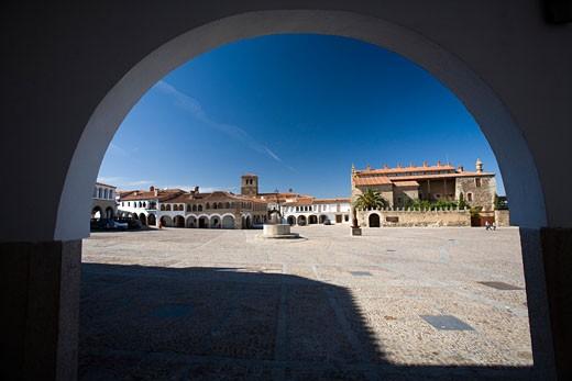 Stock Photo: 1925-2006 Arcade  main square or plaza mayor of Garrovillas de Alconetar  Caceres  Extremadura  Spain