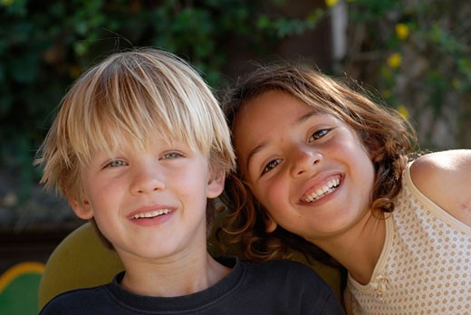 Portrait of Morgana  a sweet and cute brazilian small girl and his friend A day at Greenheart s La Casita Verde the little green house is a rapidly evolving model ecological centre visited by around 5000 people each year Ibiza  Spain : Stock Photo