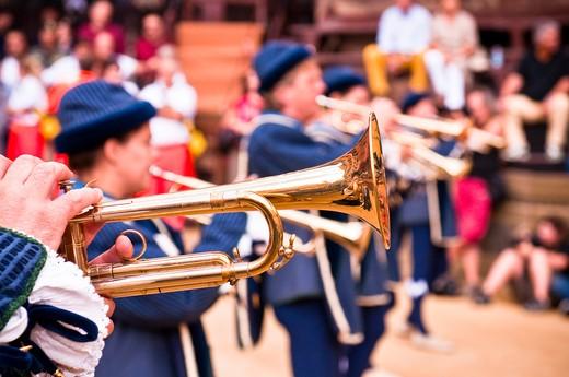Italy, Tuscany, Siena, Palio di Siena parade, Trumpet players : Stock Photo