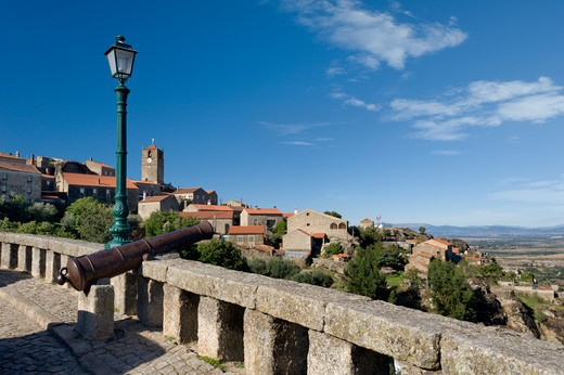 Portugal, Beira Baixa, Monsanto Viewpoint And Cannon : Stock Photo
