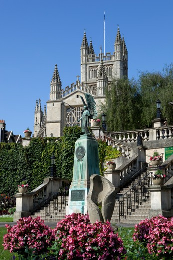 Parade Gardens and Bath Abbey, built between 1499 and 1616. : Stock Photo