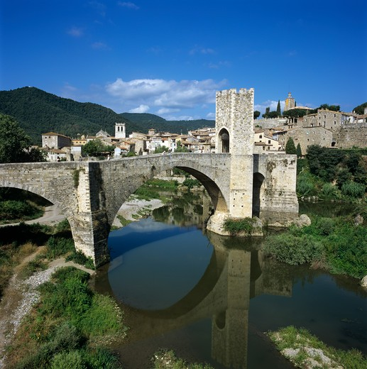 Spain - Catalunya - Besalu - Medieval town and bridge over Fluvia River : Stock Photo