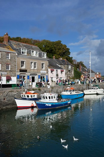 England - Cornwall - Padstow - Fishing Harbour : Stock Photo