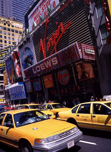 Times Square, Taxis : Stock Photo