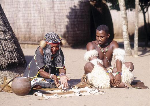 Kwazulu Dumazulu Zulu Diviner : Stock Photo
