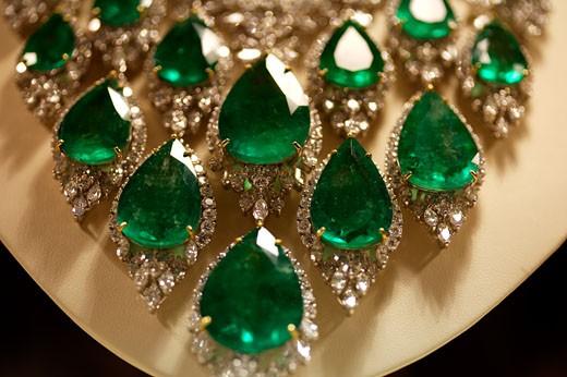 Dubai, Emerald Necklace : Stock Photo