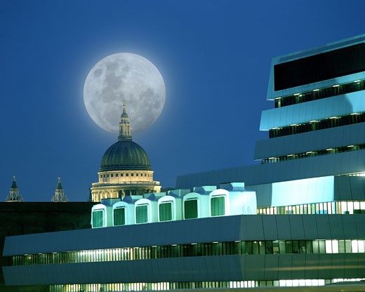 Moon Over St. Paul's Cathedral : Stock Photo