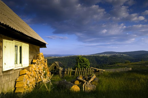 Transylvania, The Apuseni Mountains, Marisel Village : Stock Photo