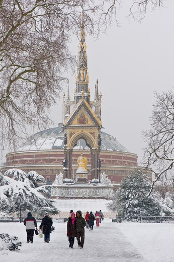 Kensington Gardens Covered In February Snow : Stock Photo