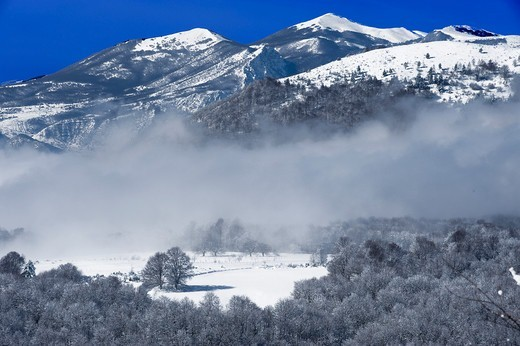Stock Photo: 196-2378 Greece, Macedonia, Winter landscape
