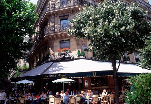 Saint Germain des Pres, Les Deux Magots : Stock Photo