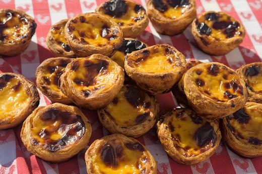 Portugal, Lisbon, pasteis De Nata' Custard Tarts, Also 'pasteis De Belem'' : Stock Photo