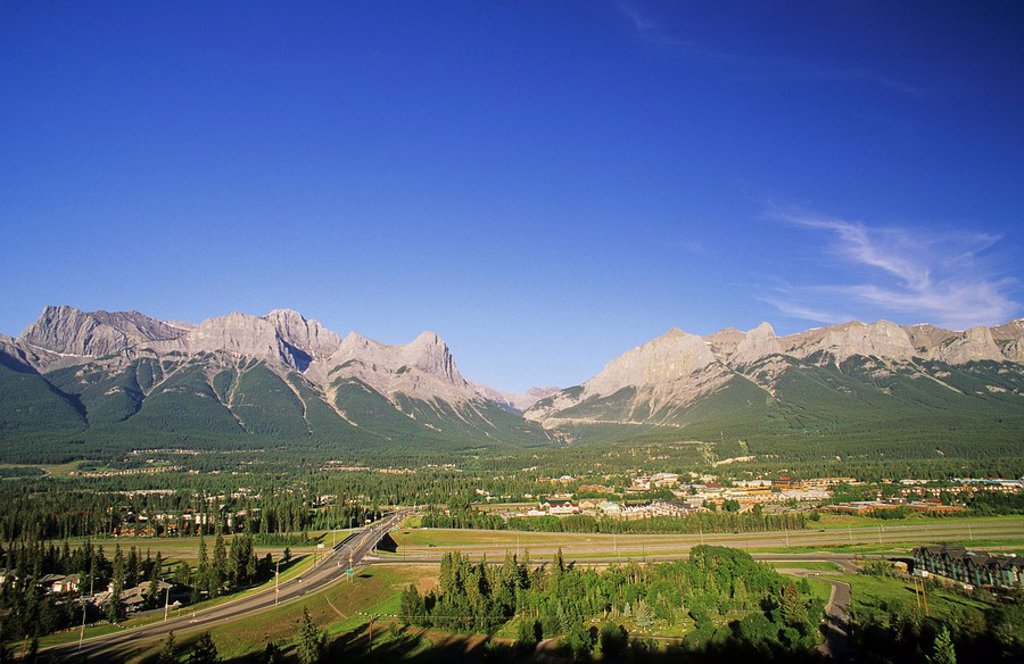 Stock Photo: 1990-1078 Canmore, Alberta, Canada