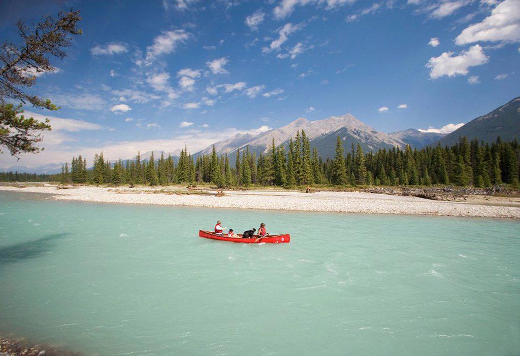 Stock Photo: 1990-11396 Canoeing, Kootney River, Kootney National Park, British Columbia, Canada