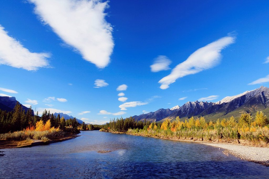 The Bow River and the Bow Valley in autumn near Canmore, Alberta, Canada : Stock Photo