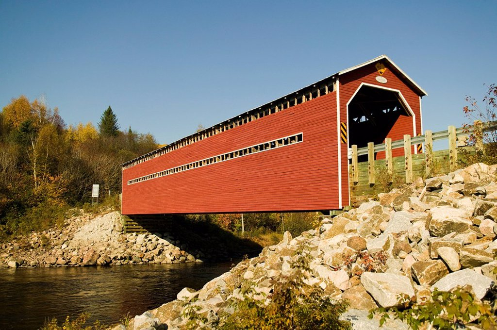 wooden covered bridge, Quebec, Canada : Stock Photo