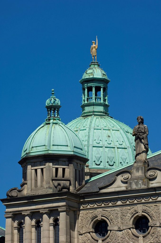 Stock Photo: 1990-14744 Detail of legislative buildings, Victoria, Vancouver Island, British Columbia, Canada