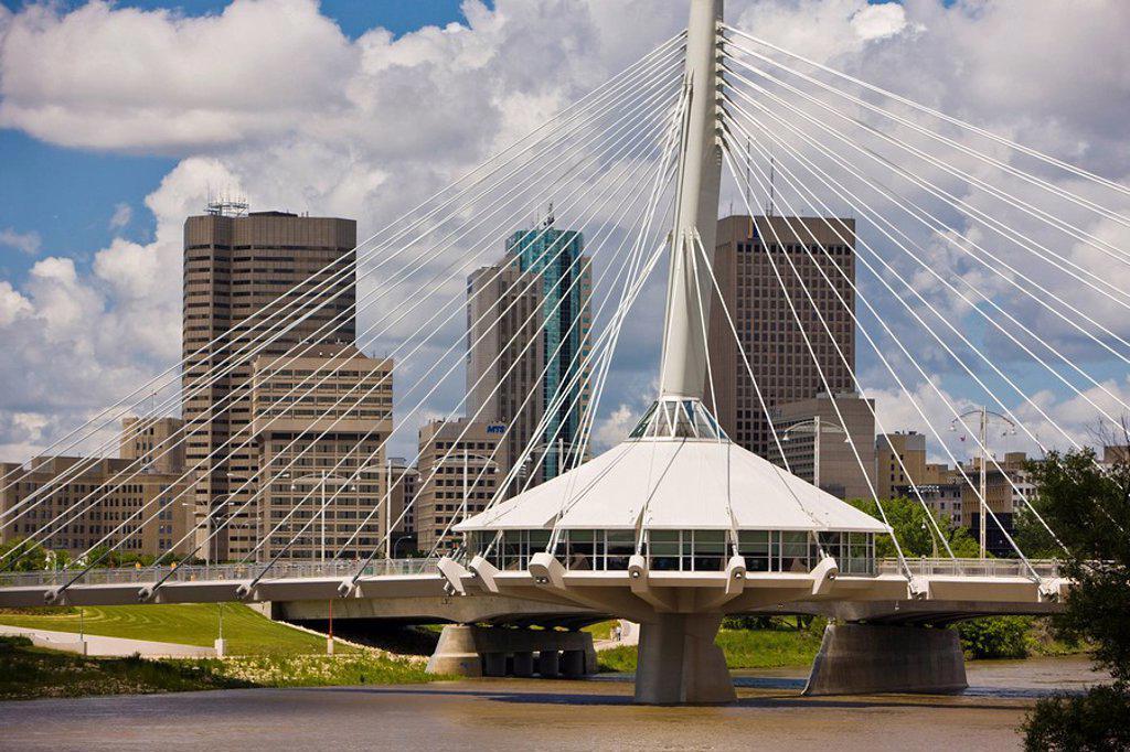 Stock Photo: 1990-15636 Esplanade Riel Bridge, a pedestrian bridge spanning the Red River in Winnipeg, Manitoba, Canada