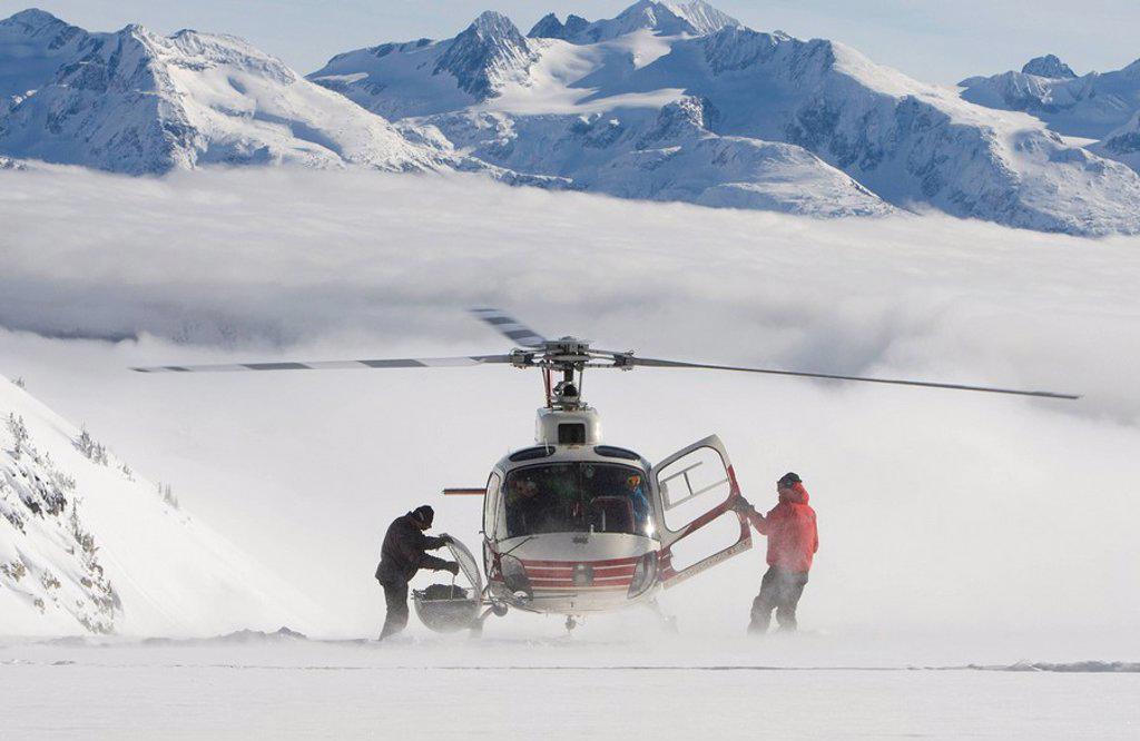 Stock Photo: 1990-16404 Heli_skiing, British Columbia, Canada