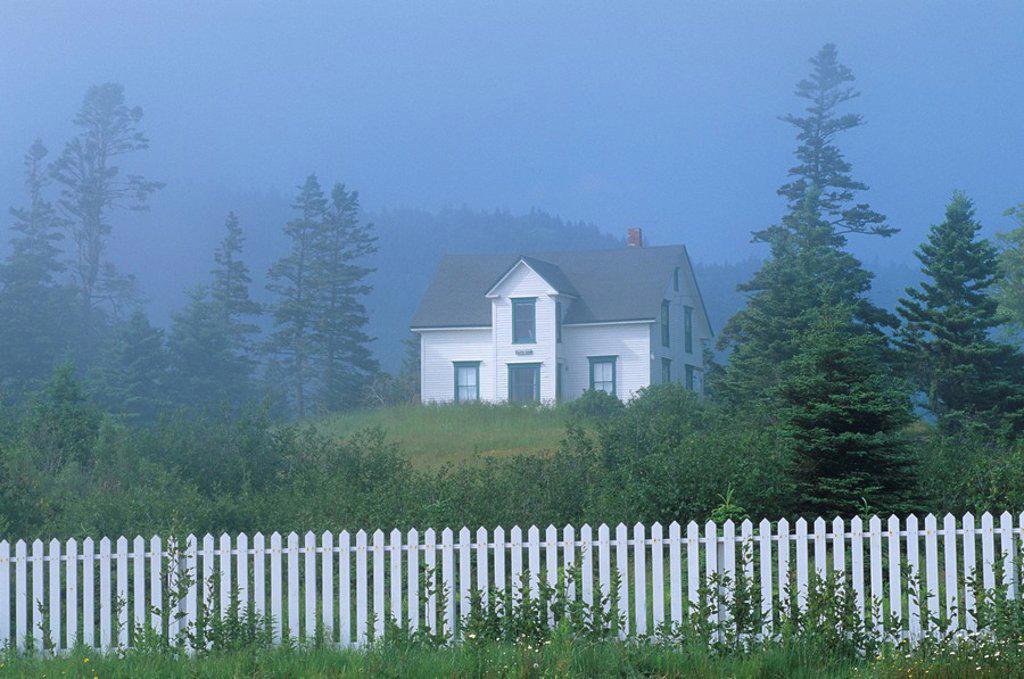 Stock Photo: 1990-1912 House in fog, Advocate Harbour, Nova Scotia, Canada