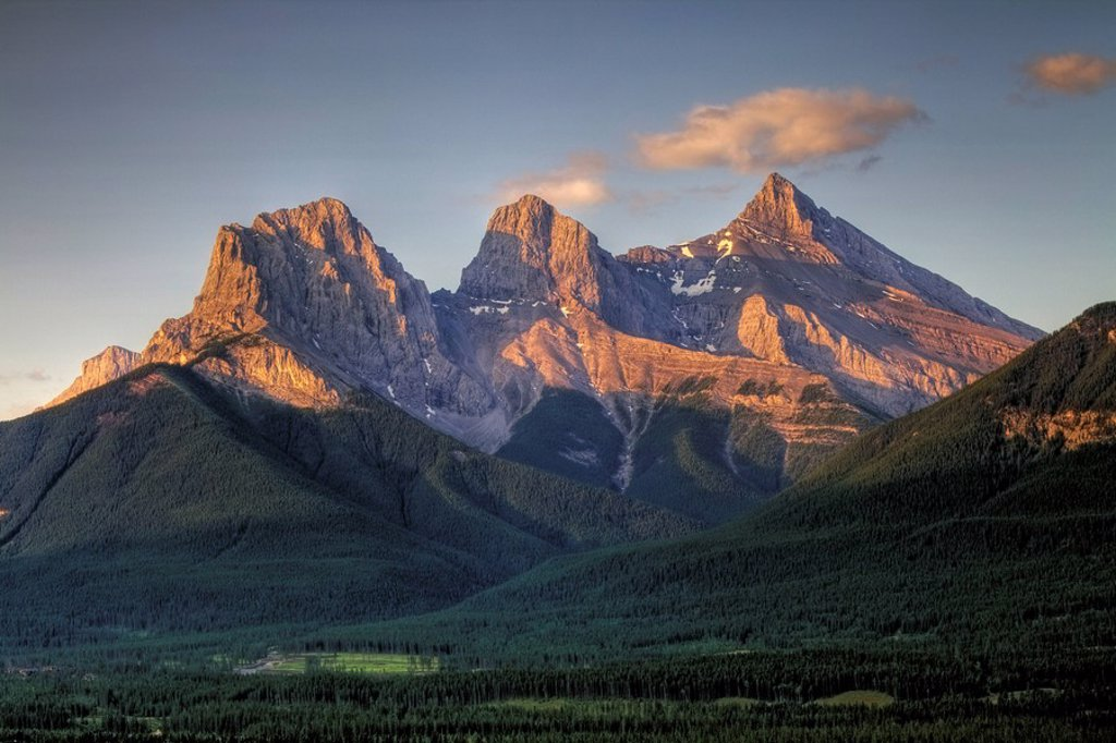 Stock Photo: 1990-21801 Three Sisters Mountains, Canmore, Alberta, Canada