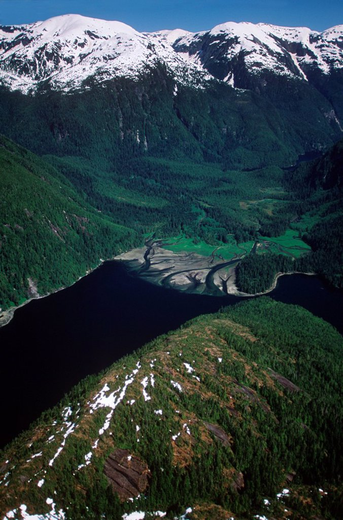Stock Photo: 1990-22612 Aerial of Fiordland Provincial Recreational Area, Central Coast along Inside Passage, British Columbia, Canada