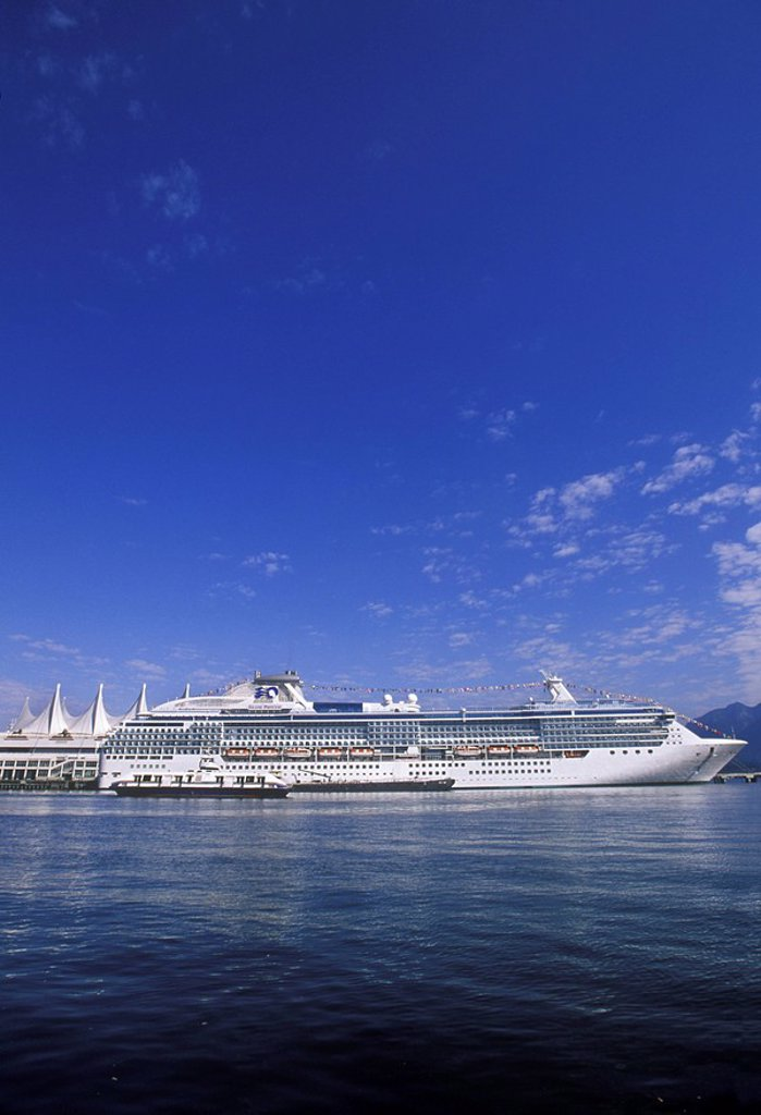 View of Canada Place with Cruise Ship, Vancouver, British Columbia, Canada : Stock Photo