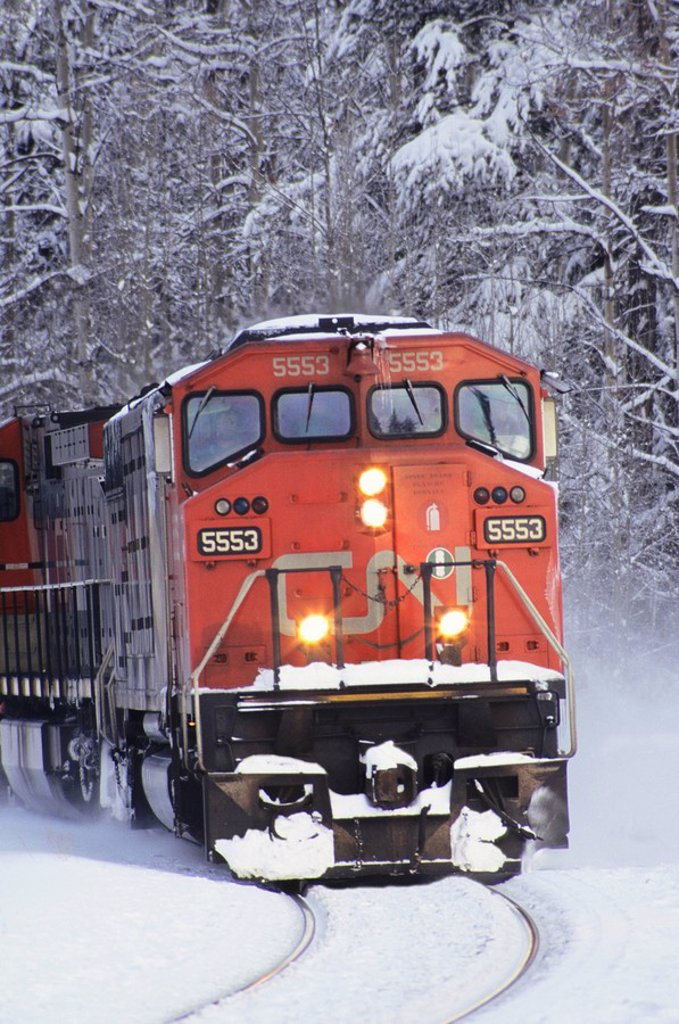 Stock Photo: 1990-26876 Locomotive in winter, Smithers, British Columbia, Canada