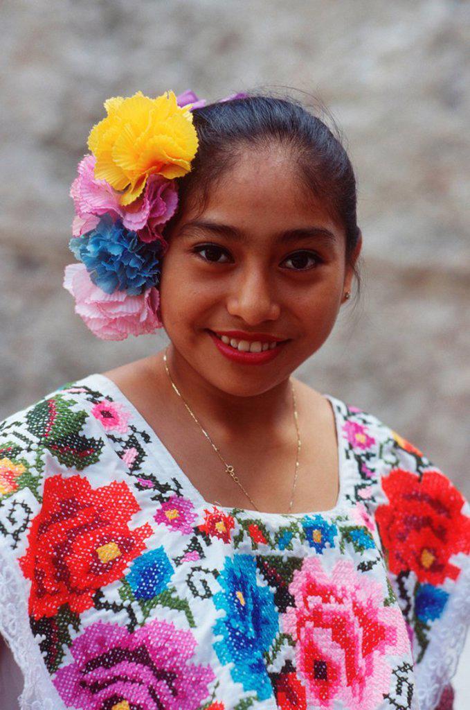 Mexico, Yucatan Peninsula at Chichen Itza, Mayan woman in decorative dress : Stock Photo