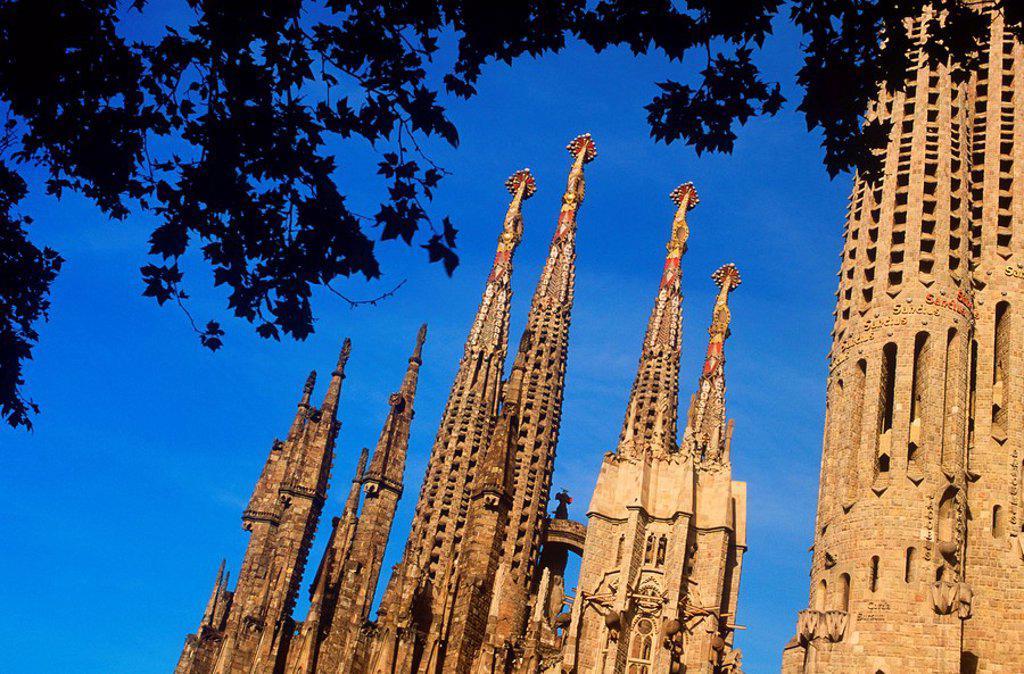 Stock Photo: 1990-29346 Spain, Barcelona, Sagrada Familia church - by Gaudi