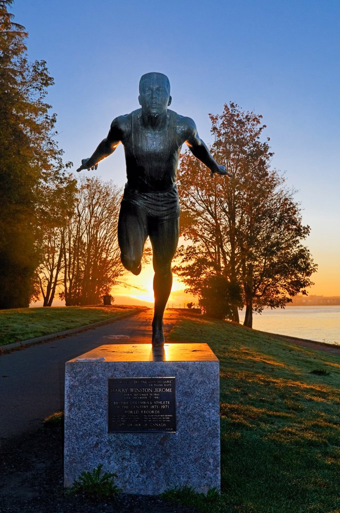 Harry Jerome statue, Stanley Park, Vancouver, British Columbia, Canada : Stock Photo