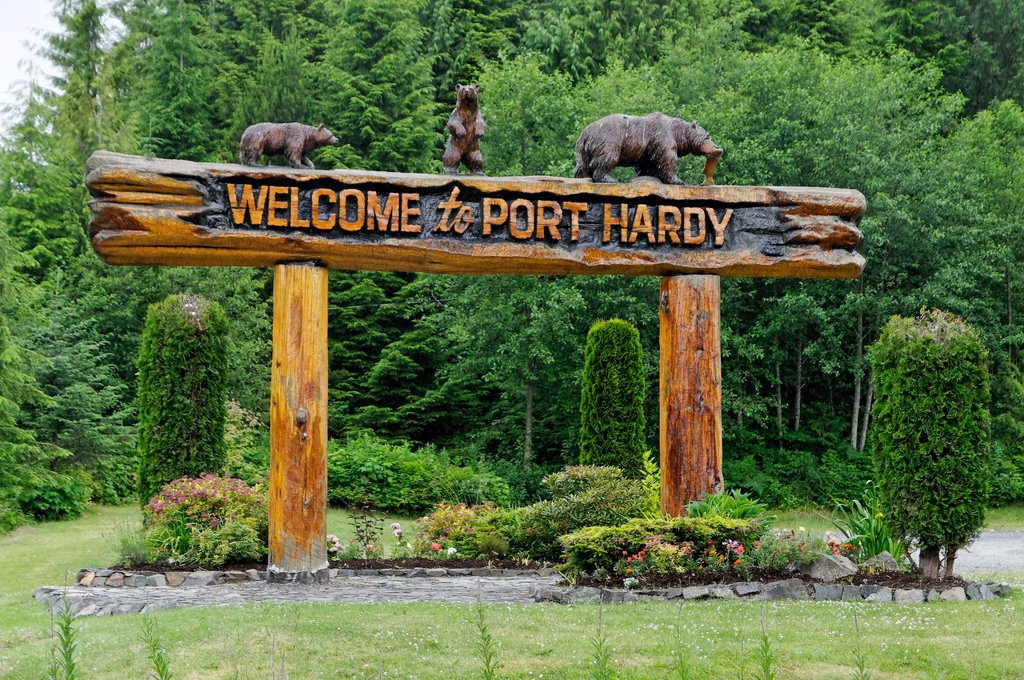 Welcome to Port Hardy sign, near Port Hardy, British Columbia, Canada : Stock Photo