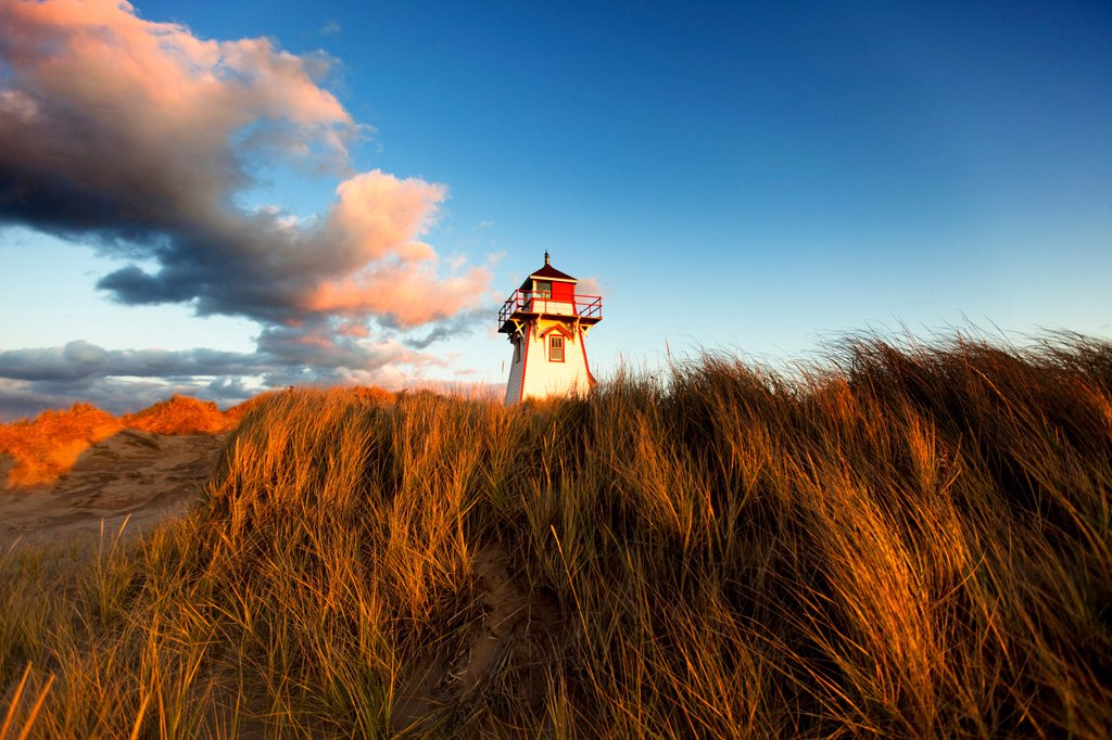 Stock Photo: 1990-44064 Covehead Lighthouse, Prince Edward Island National Park, Prince Edward Island, Canada