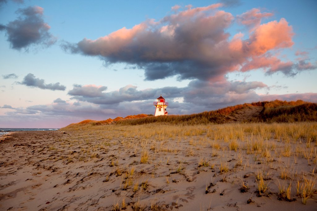Stock Photo: 1990-44065 Covehead Lighthouse, Prince Edward Island National Park, Prince Edward Island, Canada